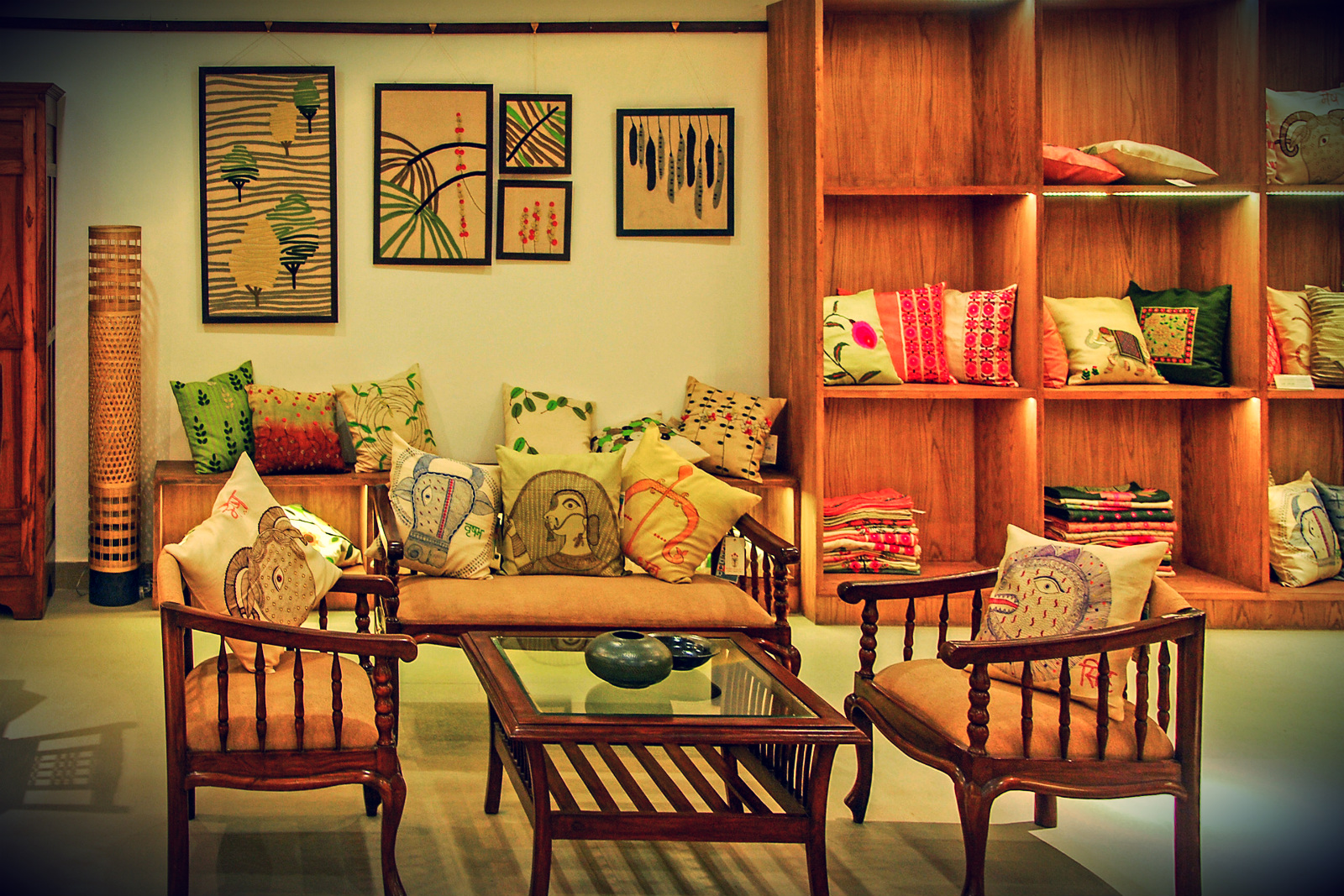 My decorative indian august store interior 1 for Indian traditional interior design ideas