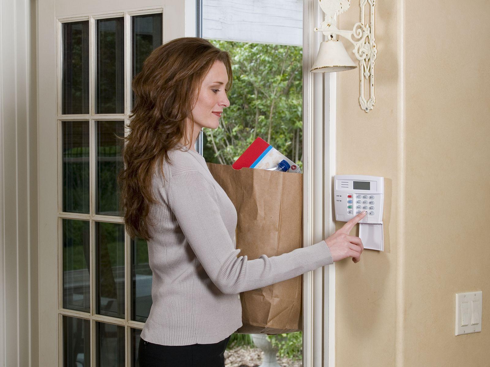 Honeywell Woman At Home Keypad