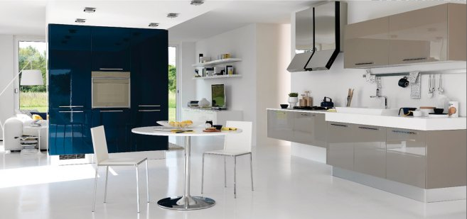 Luxury Modern Open Kitchen Design With A Little Touch Of Color