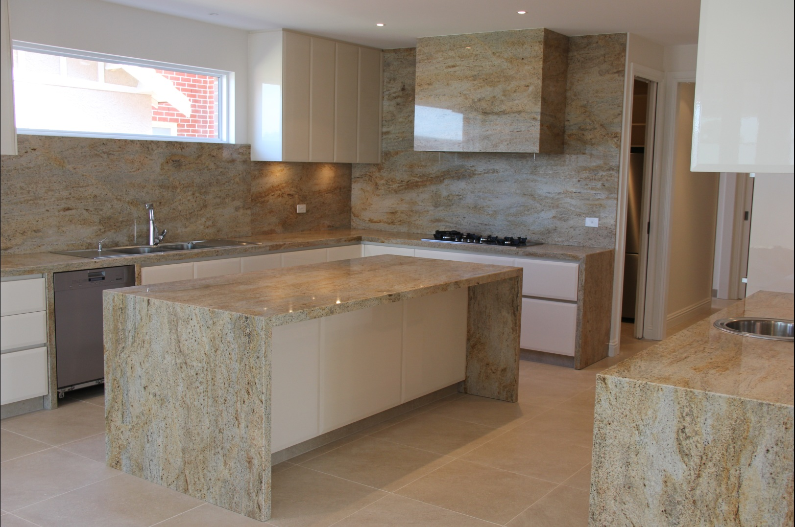 Kitchen cleanliness granite worktops makes easy cleaning for Encimeras de cocina imitacion madera
