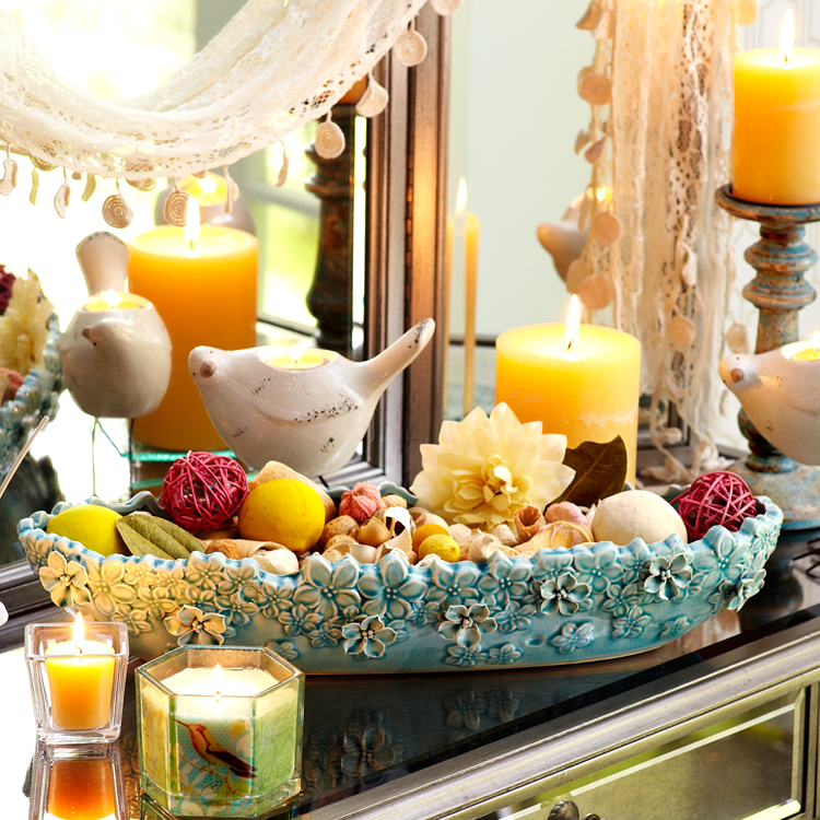 Potpourri with decorative candles