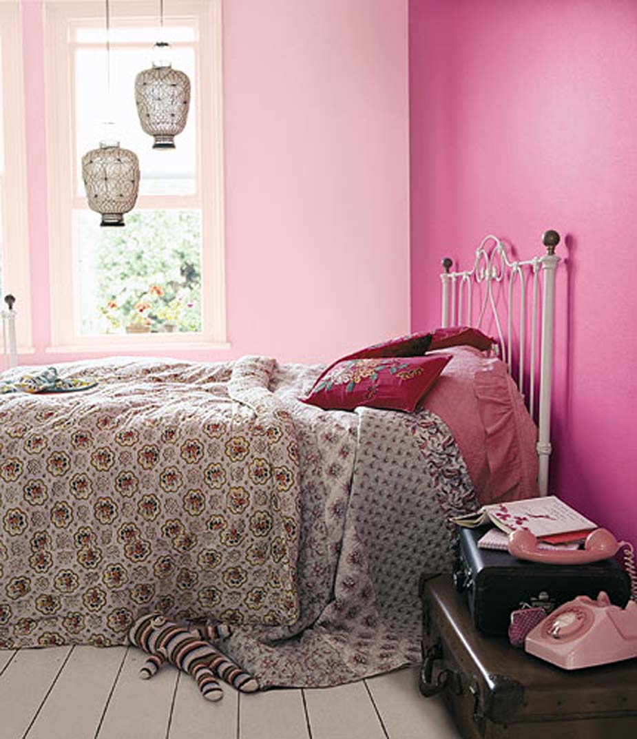 Pink Glamorous Fashionable Young Lady Bedroom