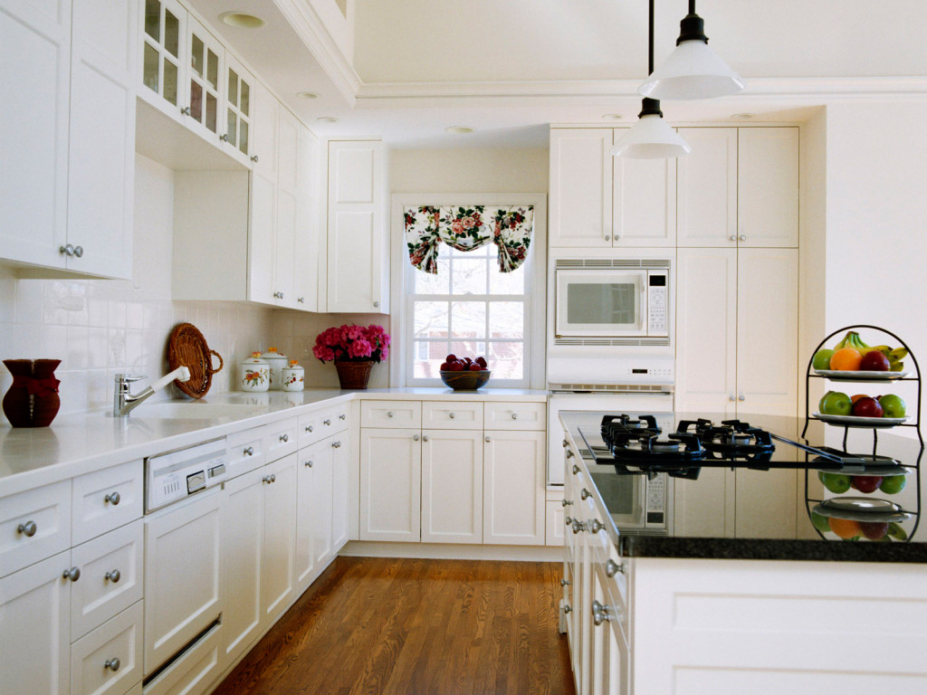White Cabinets Kitchen Design