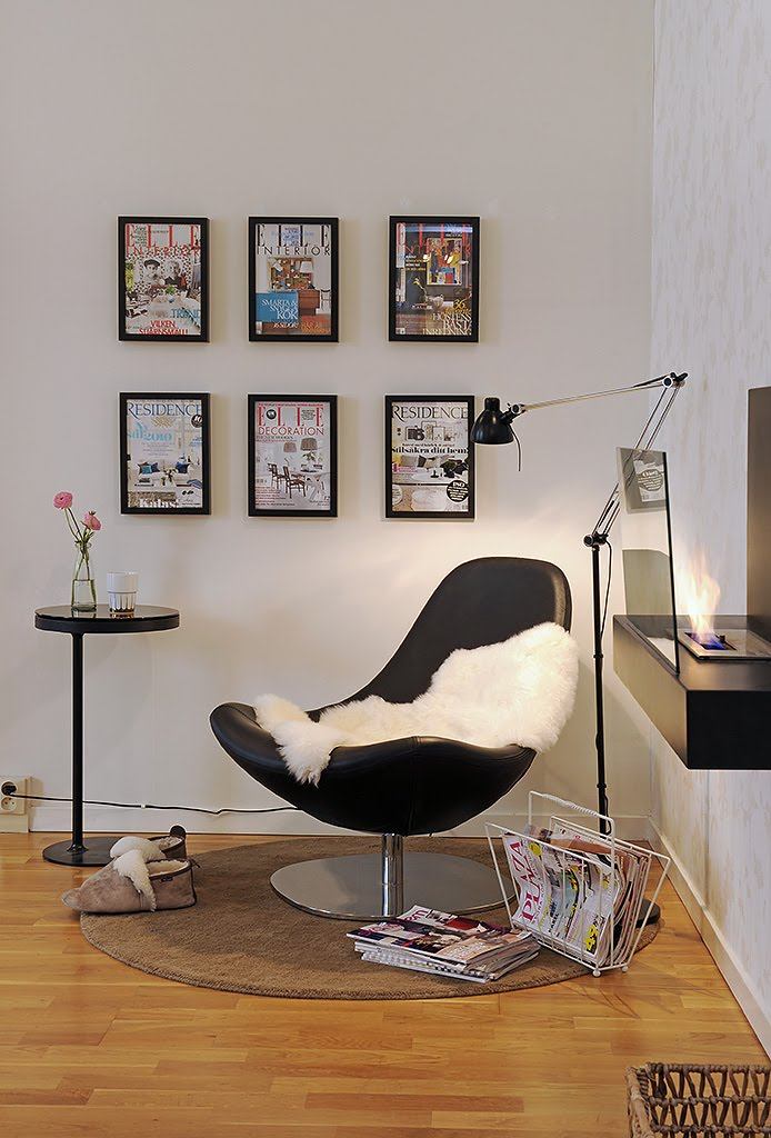 Corner Sweet Reading Chair