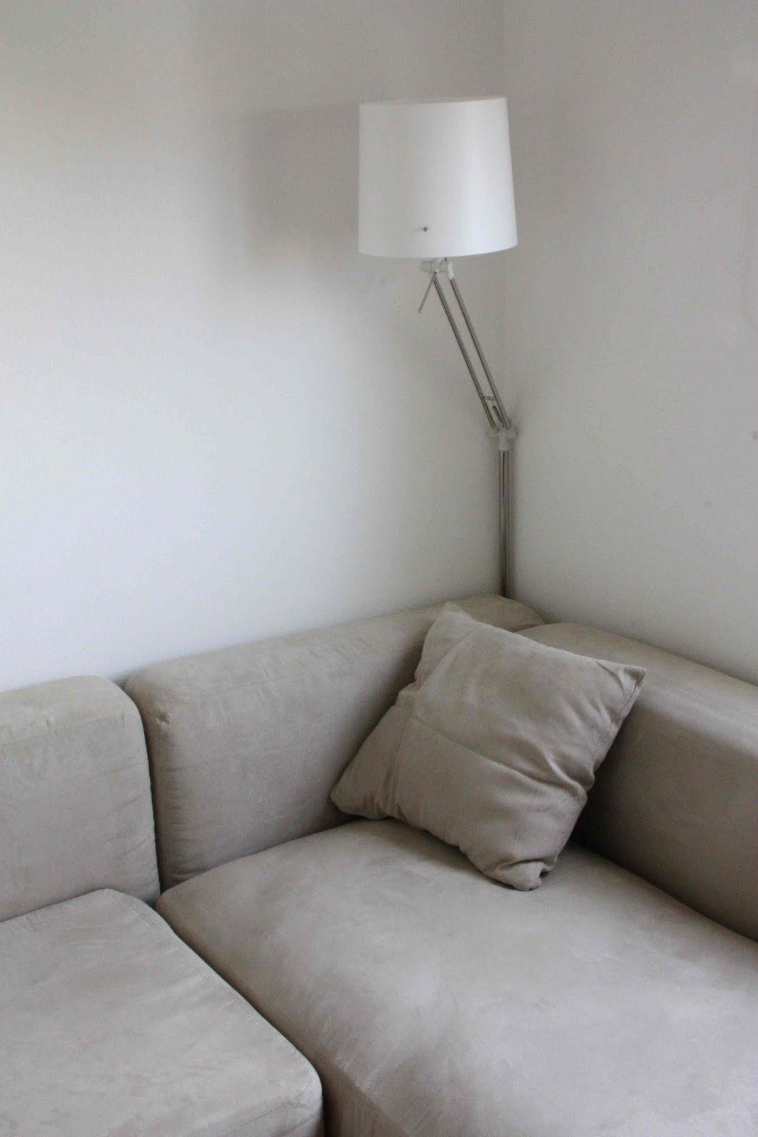 Corner Light For Perfect Reading Lamp