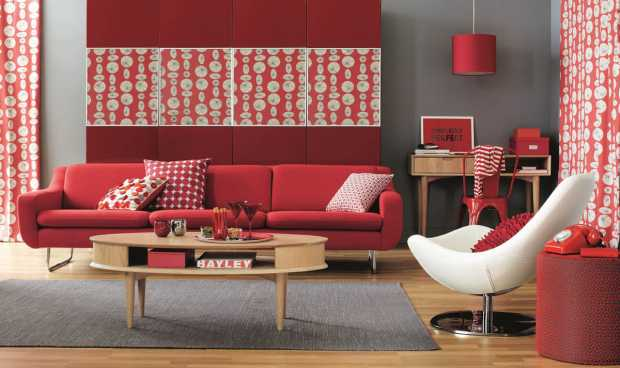 Modern Red Color Decoration in Sofa and Wall