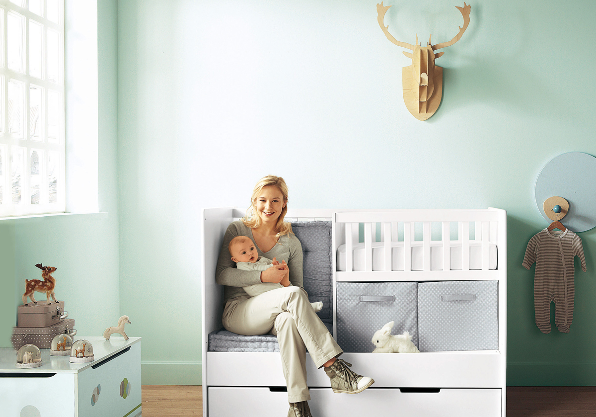 Arrange crib and dresser in apartment my decorative for Fitting furniture in a small room