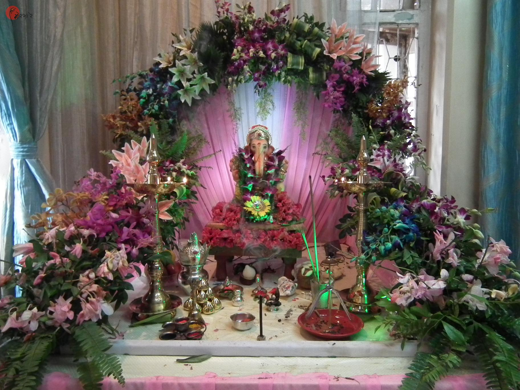 Ganpati mandap decoration with flowers for Artificial flower decoration mandap