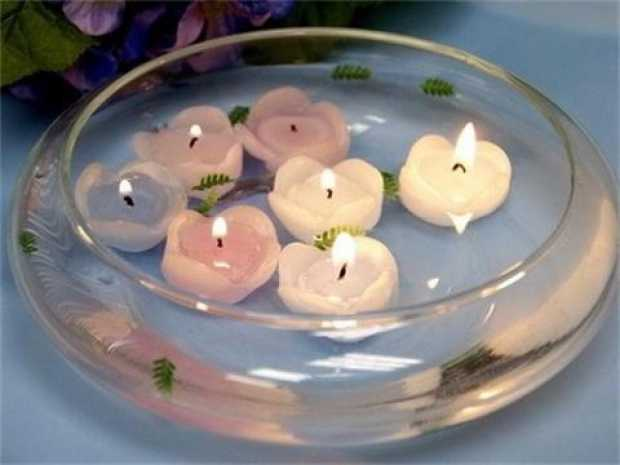 Glass Bowl with Floating Candles