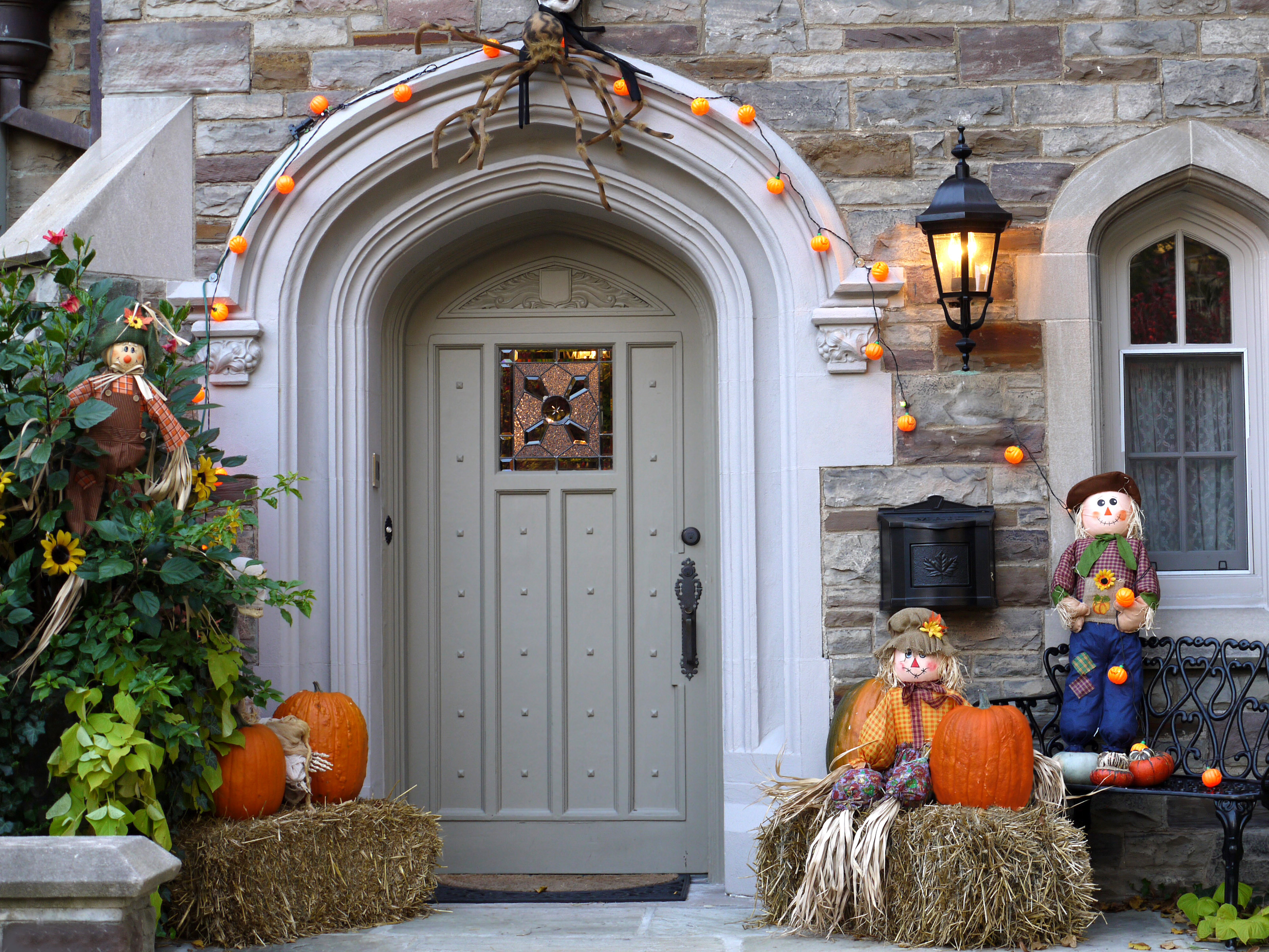 Halloween House Decorating Ideas