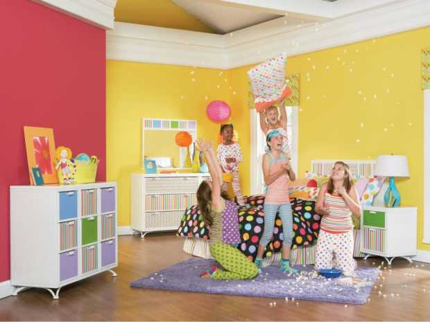 Party in Kids Room