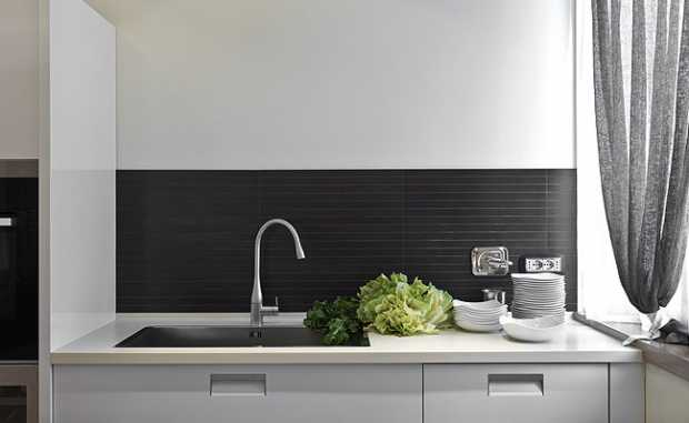 Modern Black Backsplash Tile In Gray Kitchen