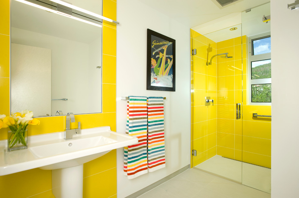 modern-yellow-bathroom