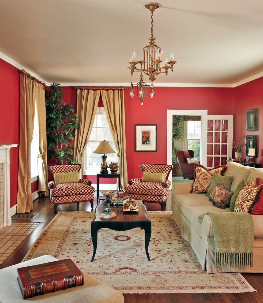 Chinese Red Paint in Traditional Living Room