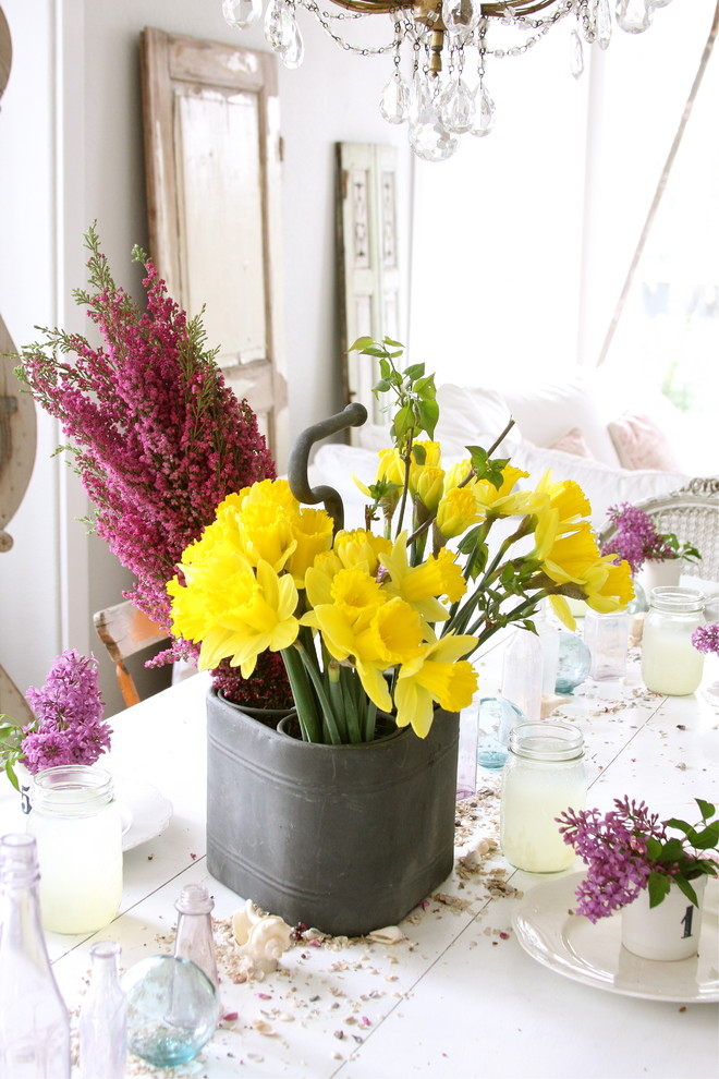 Flower Centerpieces for Dining Table