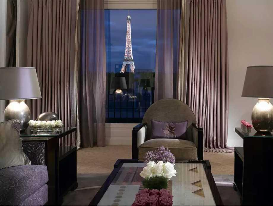 au-plaza-athenee-terrace-eiffel-suite-bedroom