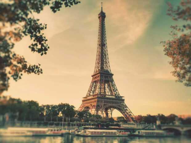 eiffel-tower-wallpaper-vintage-sepia-eiffel-tower-wallpapers-france-paris featured
