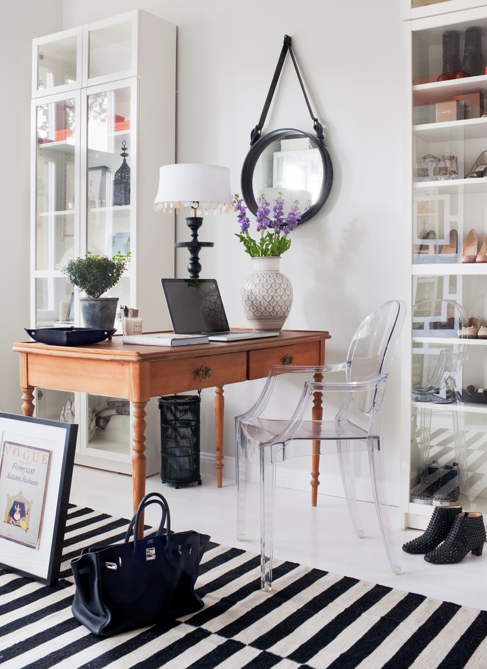 Workspace In Monochromatic Pallet Modern And Elegant Home