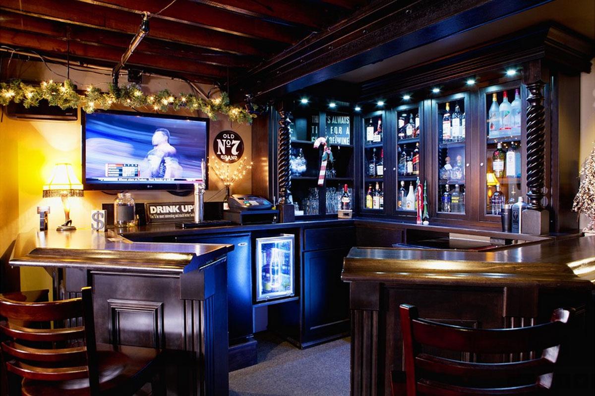Vintage interior design my decorative for Corner bar design image