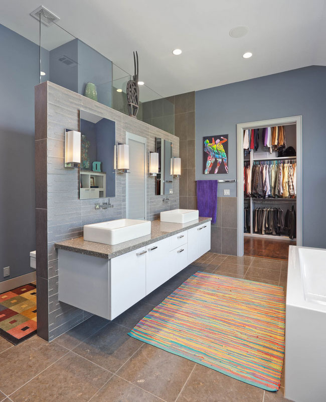Clever Bathroom Layout