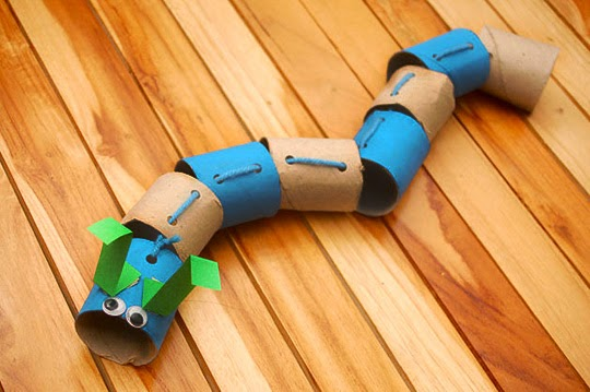 toiletpaper caterpillar craft