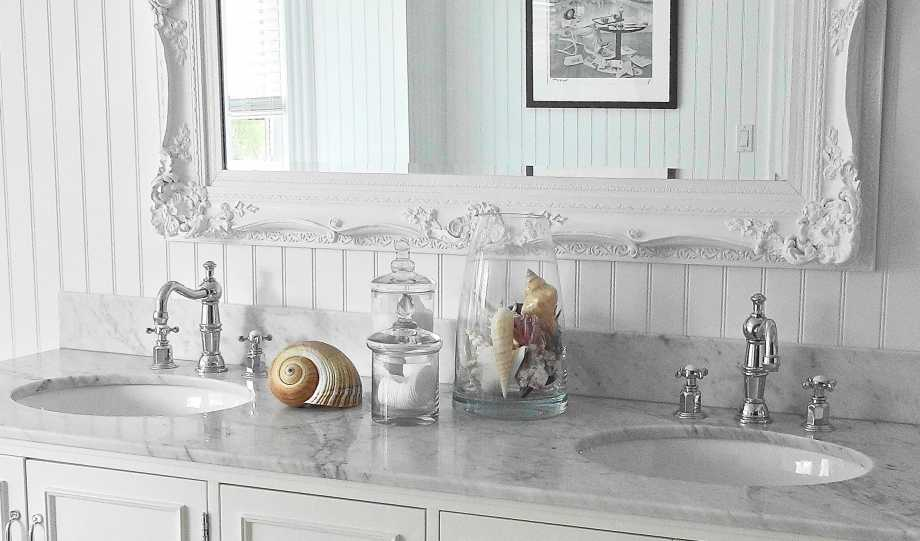 Master-bathroom with seashells