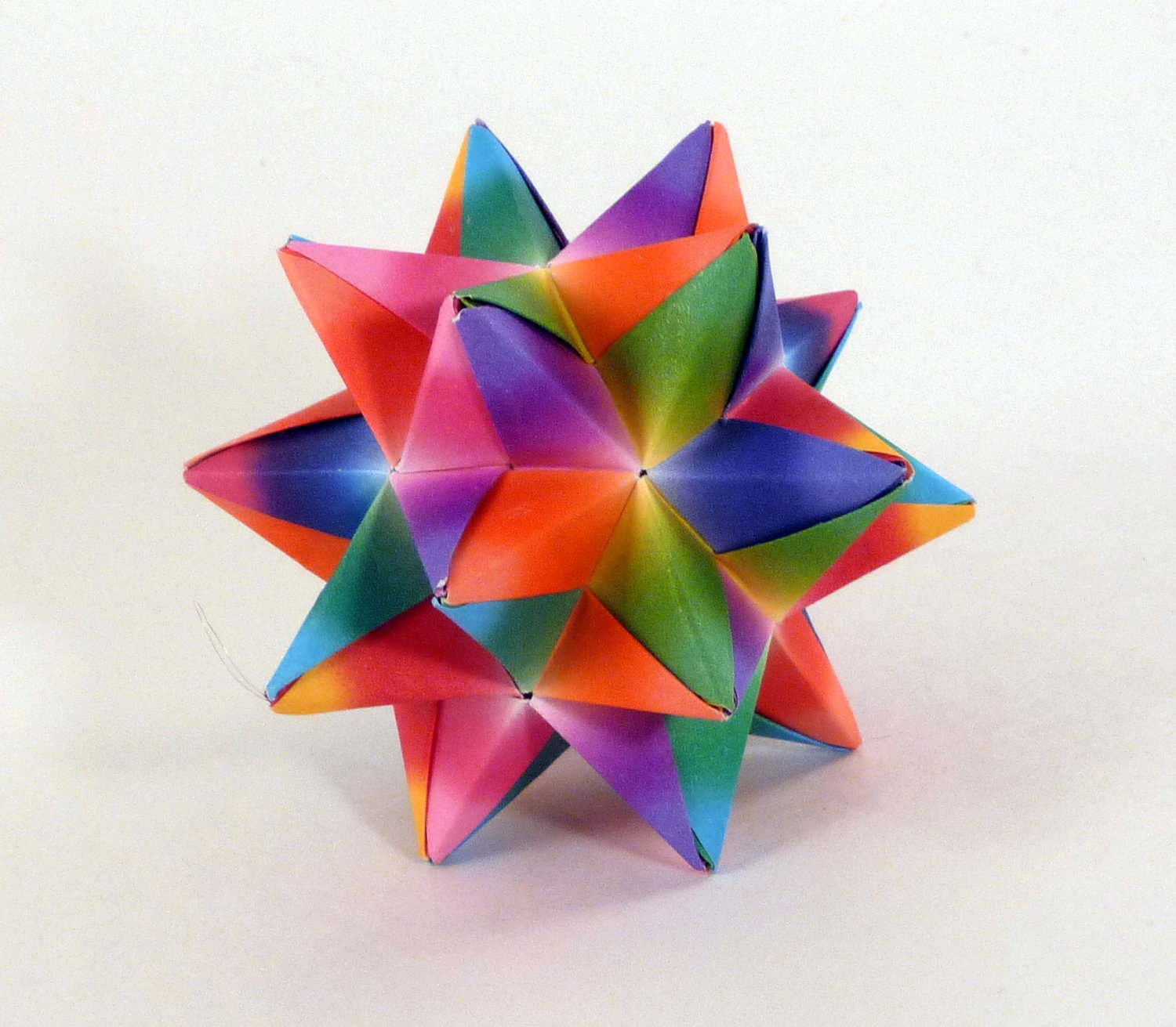 Folding 5 Pointed Origami Star Christmas Ornaments | 1311x1500