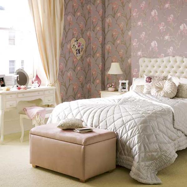 Cozy And Chic Bedroom Interior