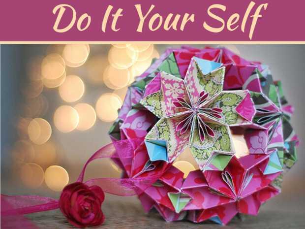 Make Origami Christmas Ornaments