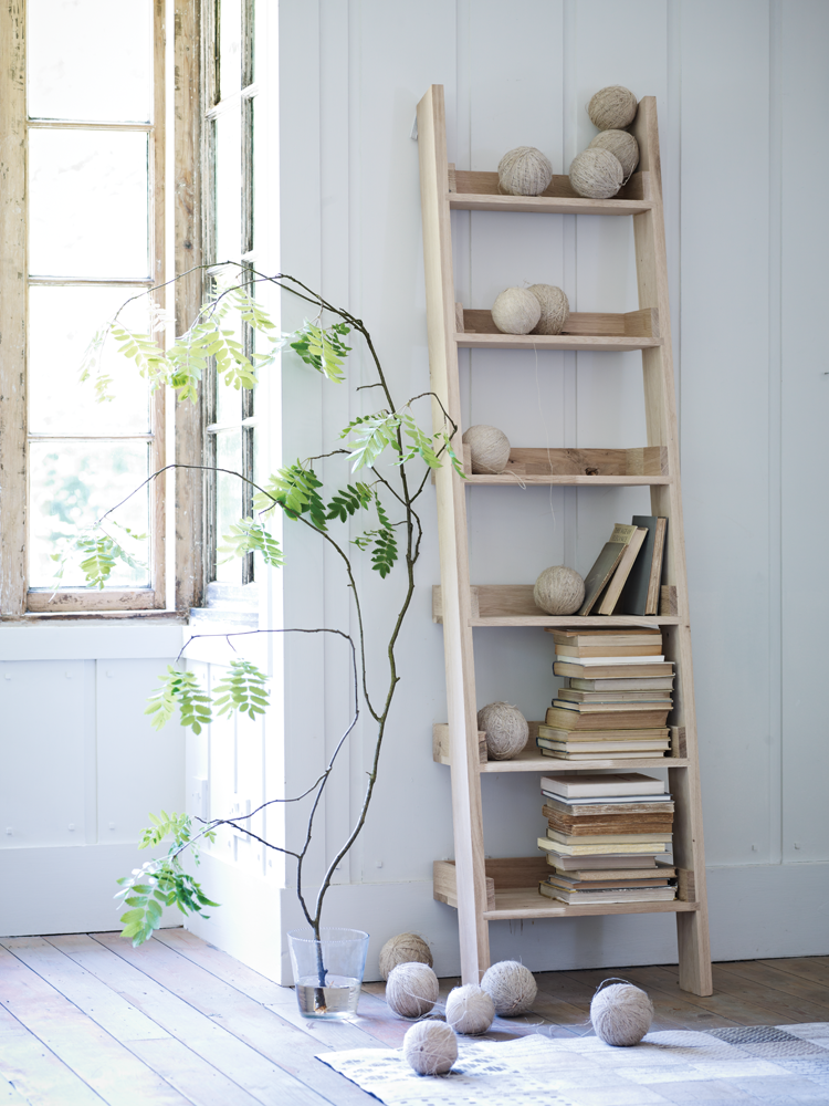 Wooden Ladder Shelf Oaklad
