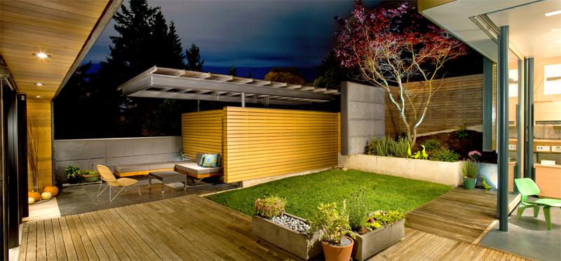 Contemporary Small Home Office in Garden