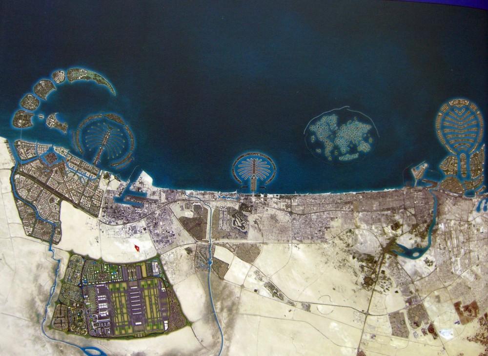 Dubai Man Made Island from Map