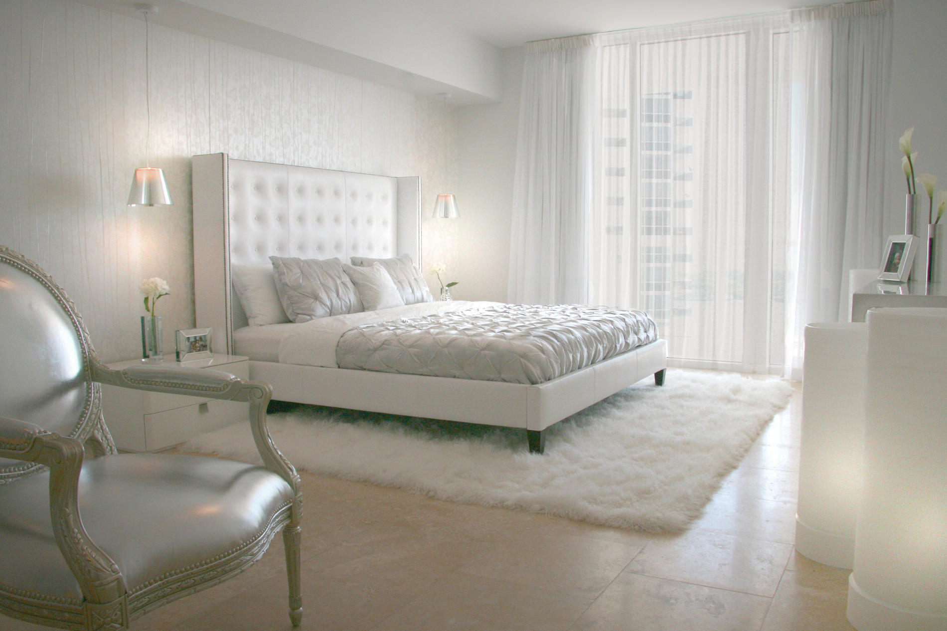 Elegant White Bedroom Rug Curtain