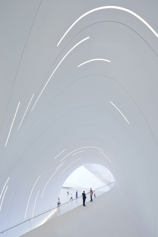 Zaha Hadid Heydar Aliyev Center Designboom