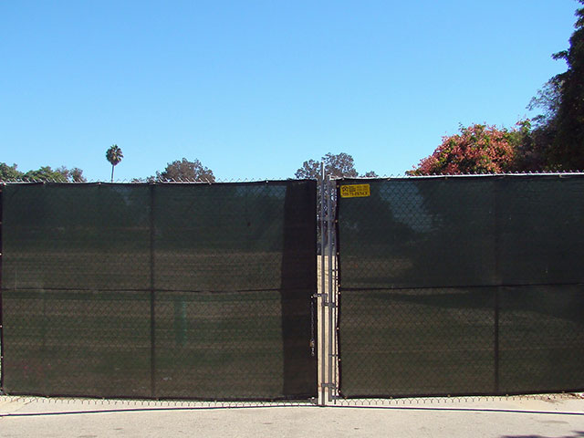 Fence With Privacy Screen Construction