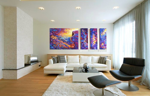 White Walls In A Living Room