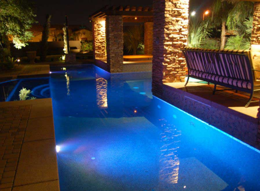Custom Luxury Swimming Pool