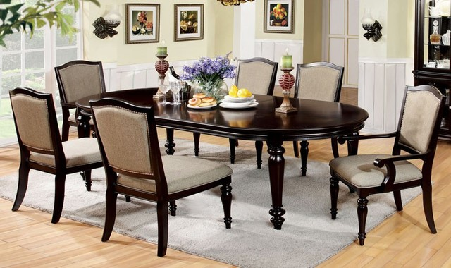 How to choose the right dining table for your kitchen my for Ornamental centrepiece for a dining table