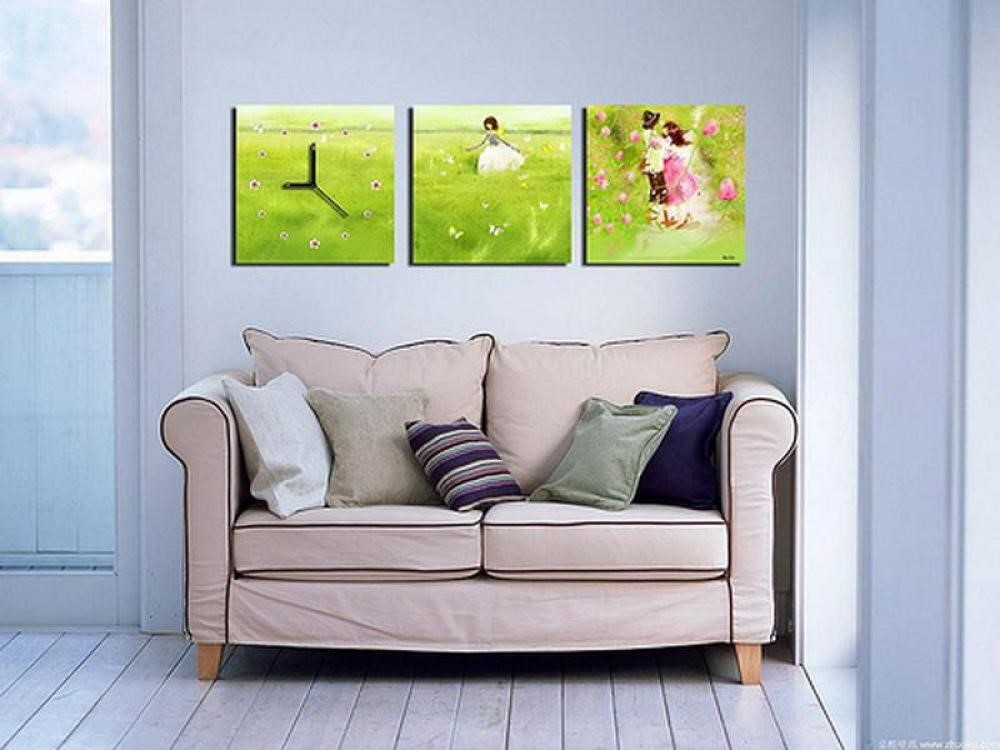 Simple Decorating Living Room Walls with Small Painting
