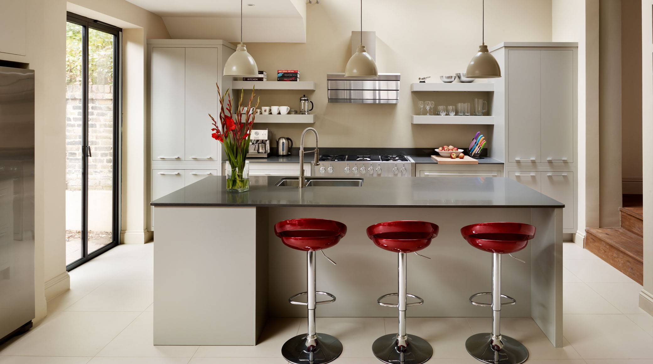 How to create an ideal kitchen for parties my decorative for Linear kitchen design