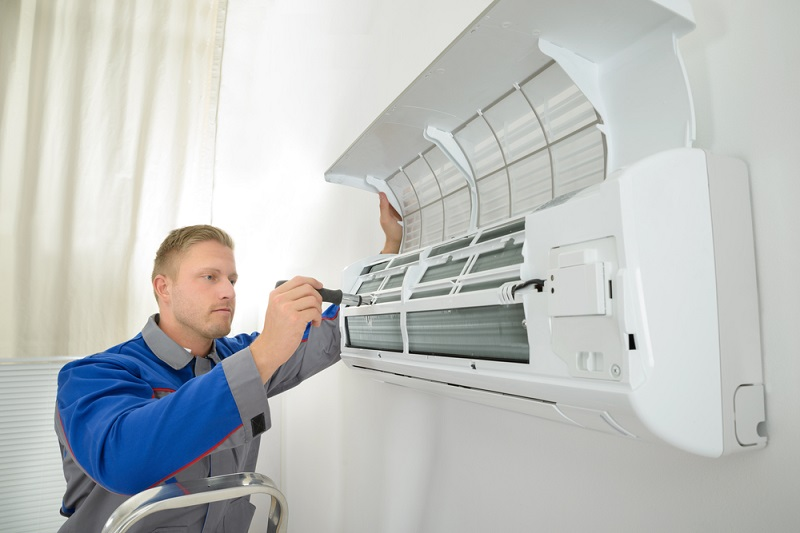 Air Conditioning Repair Professional