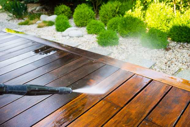 Cleaning By Pressure Washer