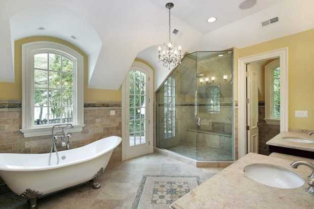 Luxury Bath Tub and Shower