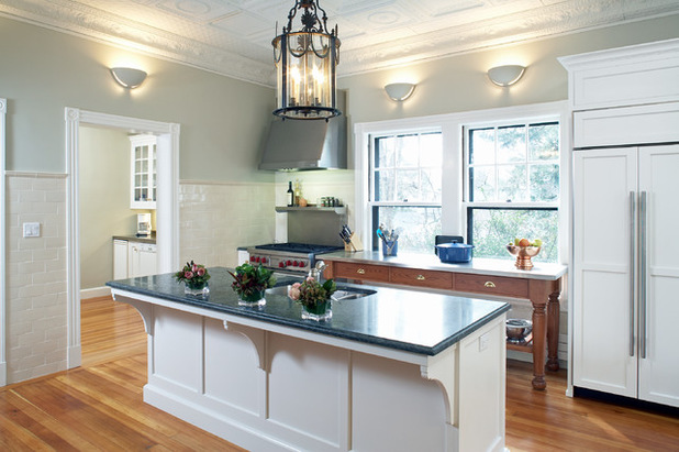 Cutting Across Kitchen Designs