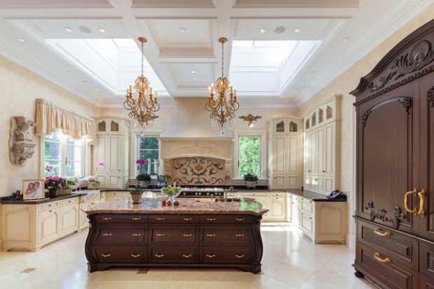 Luxurious Skylight for Luxurious Kitchen