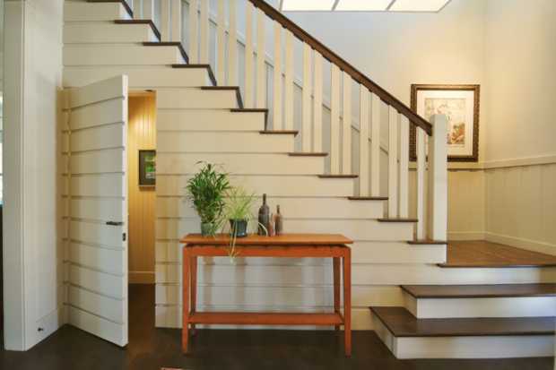 Traditional L Shaped Staircase