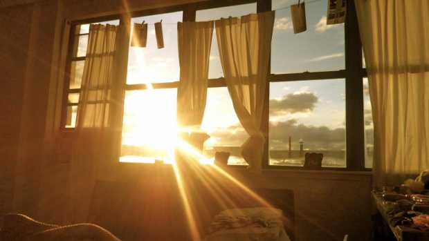 Brighter Ideas - 6 Tips For Keeping The Sun Out Of Your Home
