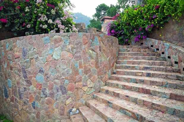 Durable Retaining Walls