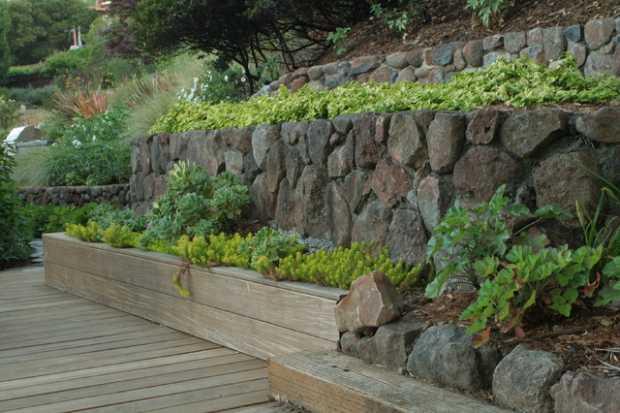 Green Materials Retaining Walls