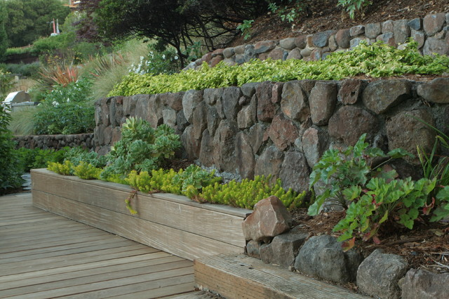 Green Materials Retaining Walls